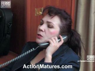 Lillian 和 lewis 紅 角質 senior 行動