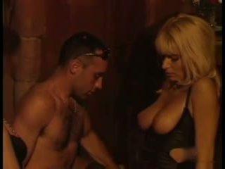 Lea martini noģērbšana un jāšanās, bezmaksas minēts porno 3b