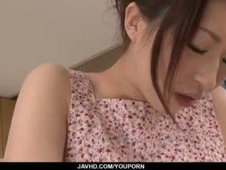 Riko oshima สมัครเล่น ผู้หญิงสวย finger fucks ใน แข็งแรง solo