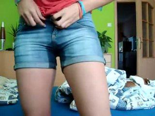 Remaja pee & bates