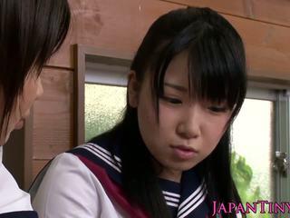 Smulkus cfnm japoniškas mokinukė pažinčių sharing varpa