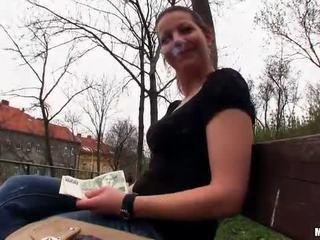 Τσέχικο κορίτσι iveta flashes και δημόσιο γαμώ