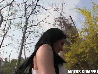 Slutty local tsek dalagita gets picked up sa ang bus itigil video