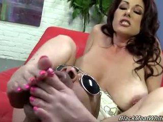 Tiffany mynx мастурбація ногами