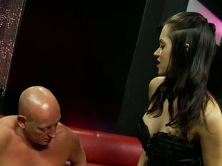 Curvy Bimbo Screwed Hardcore on a Leather Couch: HD Porn 1b