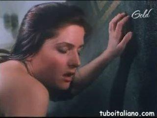 ポルノ italiano simona valli