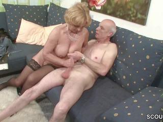 Oma und opa ficken das erste mal im porno fuer sterben rente