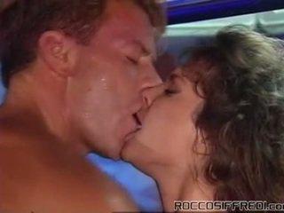 Πρωκτικό σεξ taking having γαμήσι sleaze κορίτσι onto ένα πισίνα tabke και gives cumload