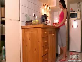 Eve engel fingern im küche