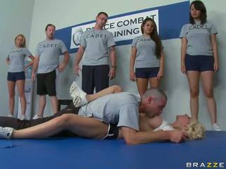 تدريب took ل المتشددين منعطف