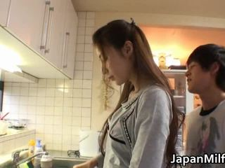 Anri suzuki japonesa beauty engulfing