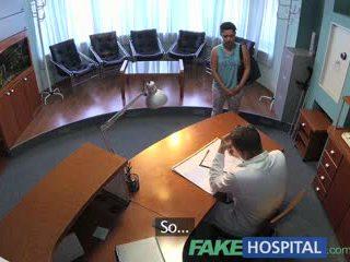 Fakehospital bịnh nhân overhears bác sĩ fucking y tá sau đó fucks anh ta quá