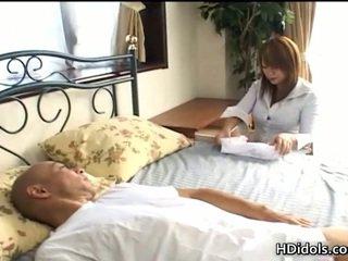 安っぽい プッシー kaede ohshiro gives astonishing