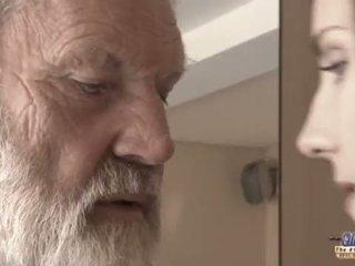 Teenie lány -ban fájdalom fucks régi férfi mert fűszeres oblivion