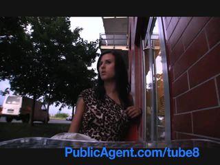 Publicagent sexy morena gambles longe dela cona