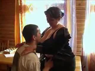 בוגר סבתא חרמן ל the זין