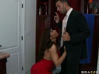 Attractive Devon Michaels Couldnt Resist Her Males Nob TeaSing Inside Her Mouth