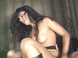 Indian girl behind bars - XVIDEOS.COM