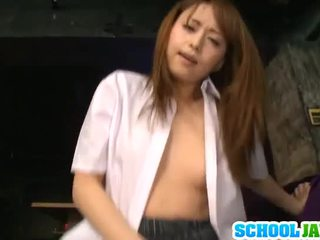 Akiho yoshizawa pleases masywny yonker