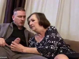 מכוער שמן סבתא gets מזוין קשה