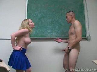 Aiden starr takes îngrijire de 2 perverts în ei școală sala de clasa