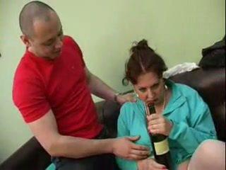 Guy fucked jeho opilý maminka
