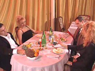 Two italienisch milf gefickt im die klub