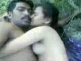 Tamil couples sikiş outdoors