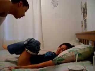 Sister recording viņai brālis trying līdz padarīt viņam sperma