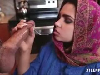 Middle eastern বালিকা ada gives মাথা এবং gets ripped কঠিন
