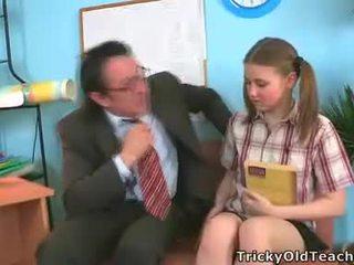 Irena was surprised este dela professora has tal o gigante pila.