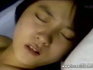 Saudara dan sister dia doesn't mahu kepada tidur lagi - incesttubez.com