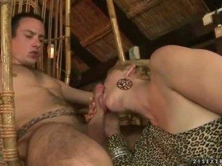 Bà và con trai enjoying nóng giới tính