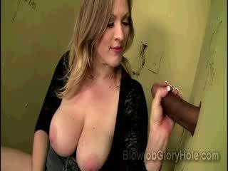 Juggy vicky helleveeg drills haar roze kut terwijl zuigen ebony glory hole schlong