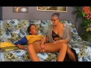 Стар бабичка takes то в на дупе, безплатно анално порно 12