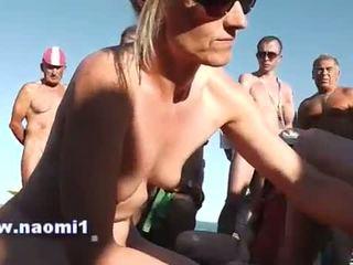 Afrukken pijpen publiek strand