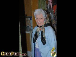 Omapass গরম grannies দেখাচ্ছে তার ভেজা পাছা: বিনামূল্যে পর্ণ 11