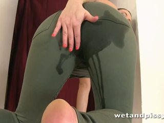 brunette, squirting, pissing