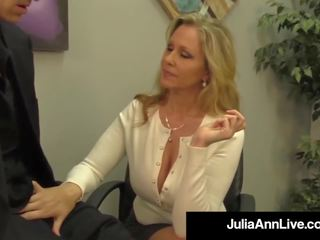 Pieaugušais apbalvojums winner julia ann drains a dzimumloceklis ar karstās.