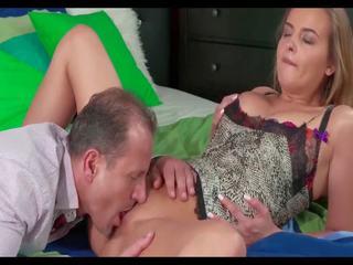 Krūtainas čirlīderi do garš fisting orgasms, porno bf
