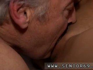 Seks teismeline fetiš keppimine bruce a räpane vana