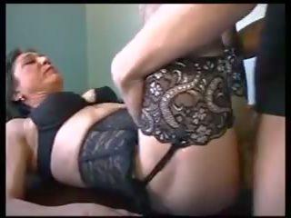 Mam et le plombier: безплатно възрастни порно видео 3f