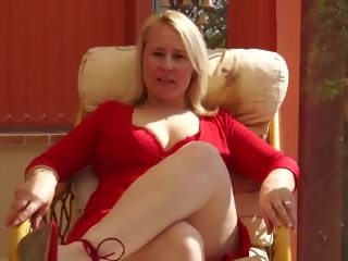 Mature Aunty in Red with Skilled Fingers, Porn 99