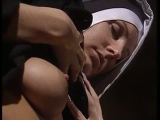 Lesbiyan nuns pagdila each other