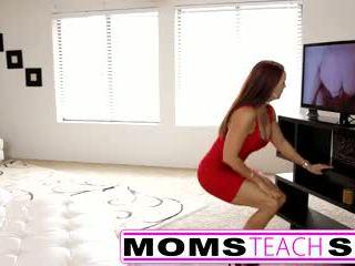 Passo mãe fucks filho em quente sexo a três sexo tape