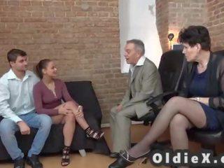 grupu sekss, vecs, gilf