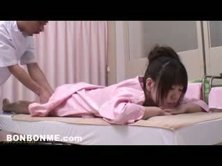 Innocent adolescenta inpulit de erotic masseur 07