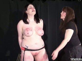Brutalne lesbijskie bdsm i ekstremalne dawanie klapsów z grubaska