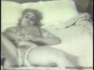 레트로 침실 striptease