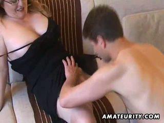 Krūtinga mėgėjiškas milf žįsti ir šūdas su sperma apie papai